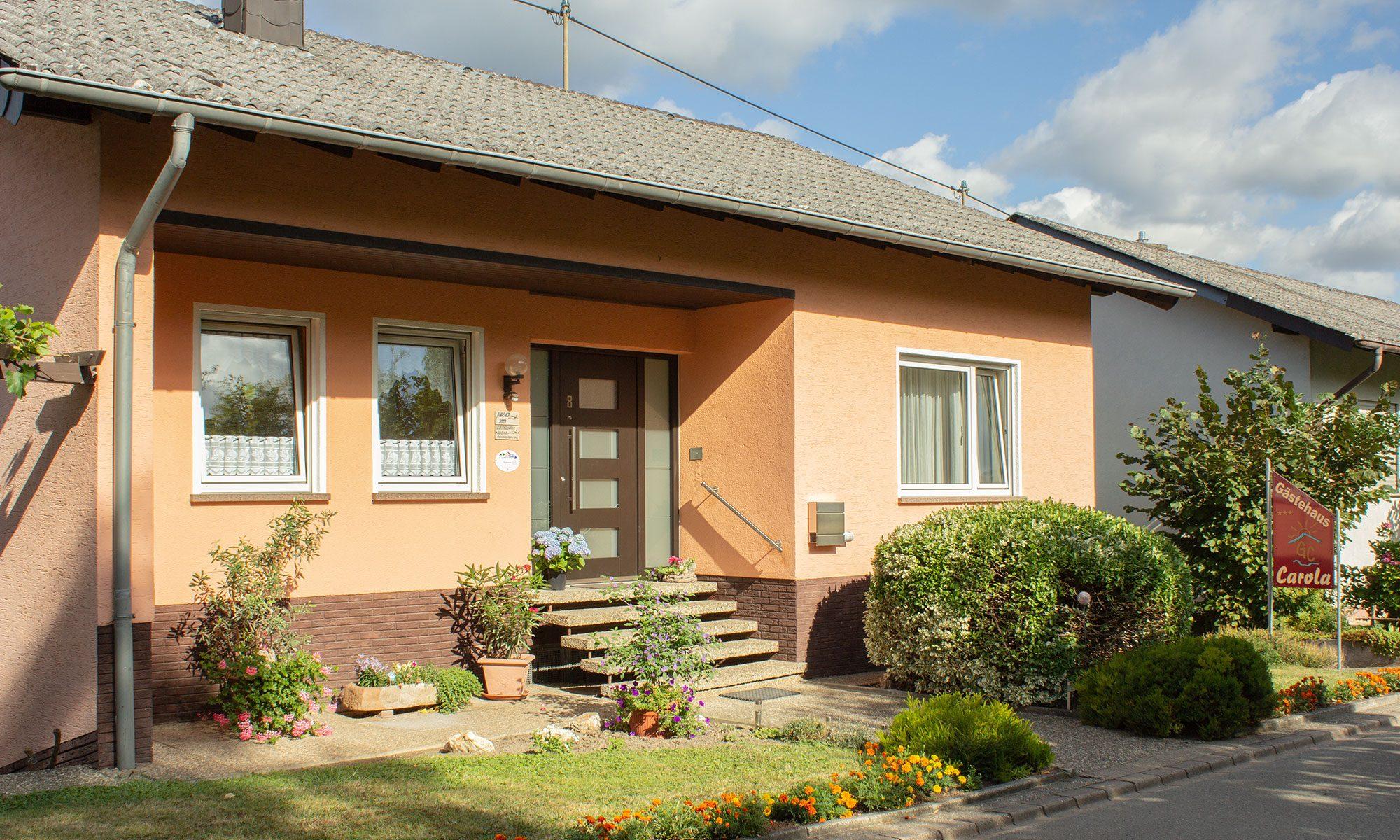 Willkommen im Gästehaus Carola
